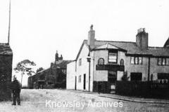 Beehive Inn, Cronton