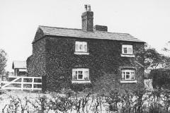 Dog Clog Cottage, Tarbock